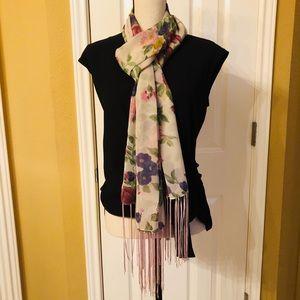 Accessories - Ladies scarf/wrap